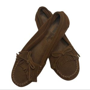 Minnetonka Moccasins Brown Suede Leather Size 6.5